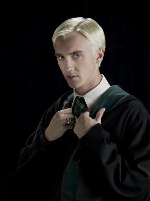 Blurred Euphoria (Draco Malfoy x Reader)