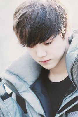 It doesn't make a difference (Luhan) | Kpop Scenarios