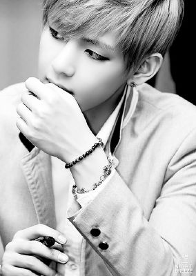 Overnight (BTS Taehyung V x reader) | KPOP~EXO AND BTS One Shot