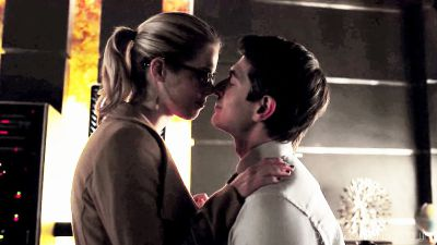 OLIVER'S JEALOUSY   Ray palmer and felicity smaok fanfiction